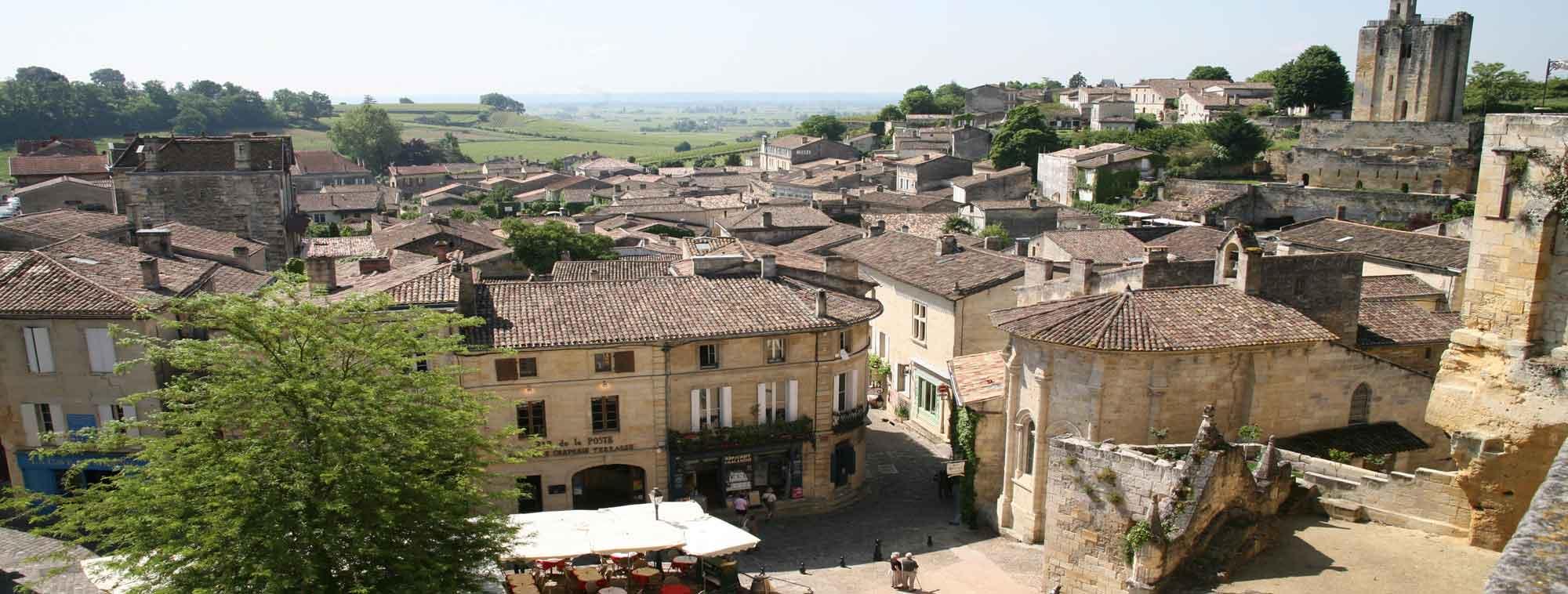 Visite de saint emilion abbatiale de guitres croisi re for Le village du meuble bordeaux